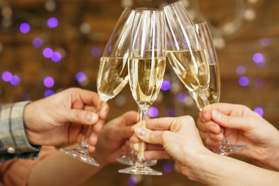 Gericht entscheidet: Airline muss bei Flugausfall Champagner zahlen