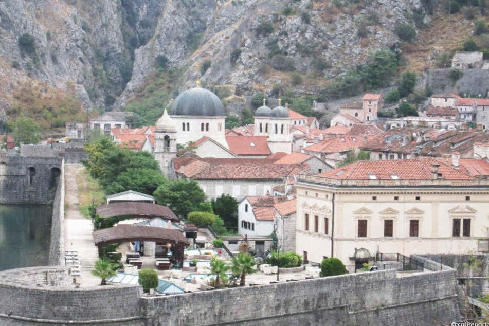 Kotor (Montenegro) steuert das Schiff am dritten Tag an.