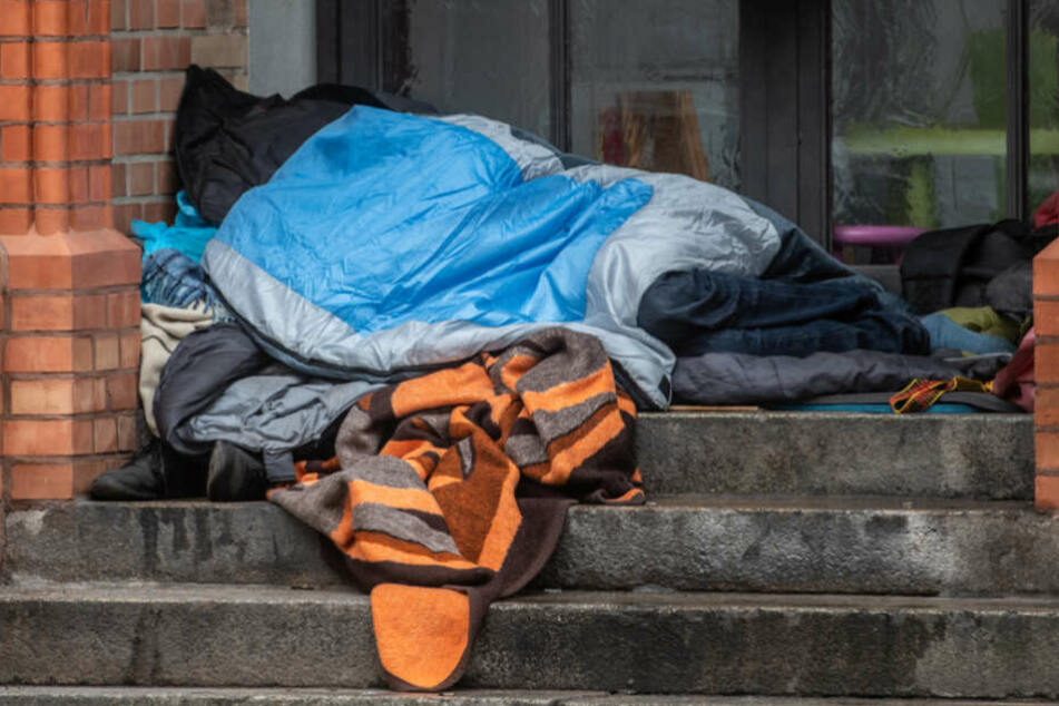 Schutz vor beißender Kälte: Winterhilfe für Obdachlose in Frankfurt gestartet