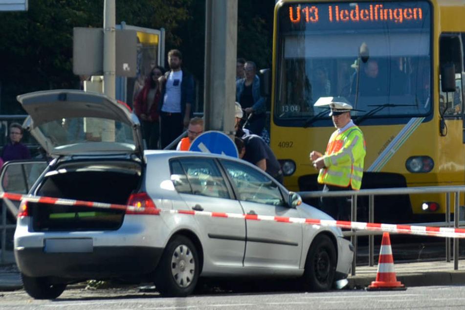 Das Wrack des VW Golfs nach dem Unfall.