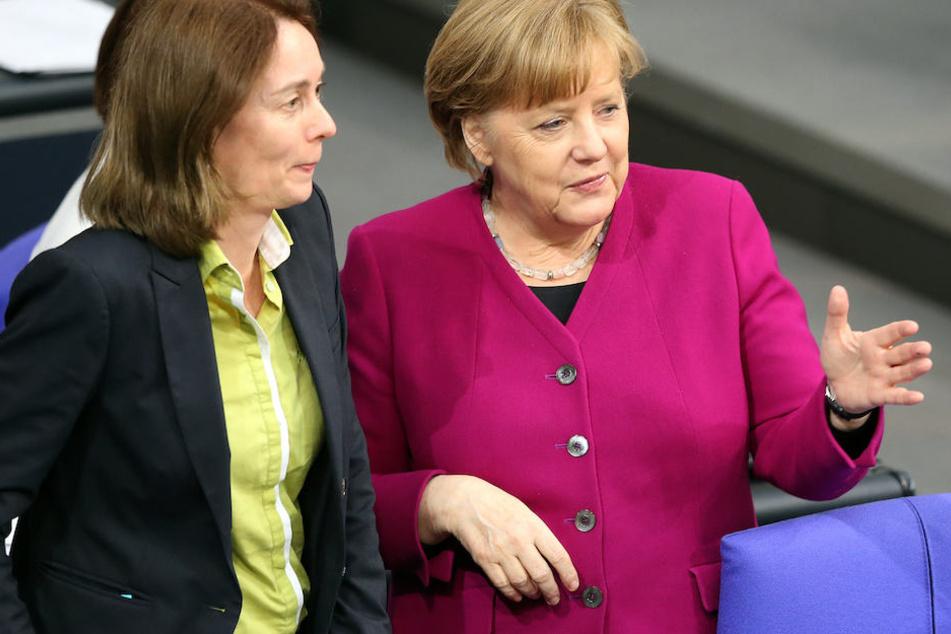 Wie hier im Dialog mit Kanzlerin Angela Merkel (64, CDU) wünscht sich Katarina Barley (49, SPD) mehr Gespräche mit Frauen im Bundestag.