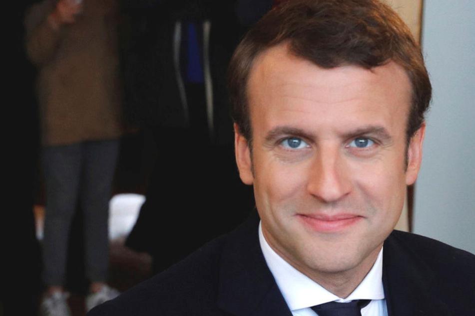 Der parteilose Emmanuel Macron (39, En Marche) liegt nach ersten Prognosen bei der Präsidenten-Wahl in Frankreich vorn.