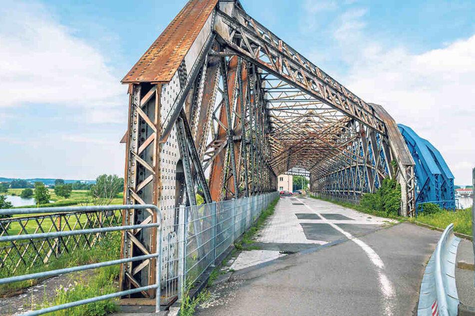 Die Hafenbrücke über den Alberthafen muss dringend saniert werden.