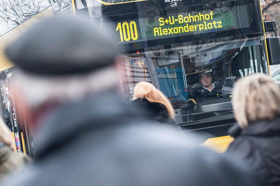 Bisher konnte man fast ungestraft sich über die hinteren Türen in den Bus schleichen. (Symbolbild)