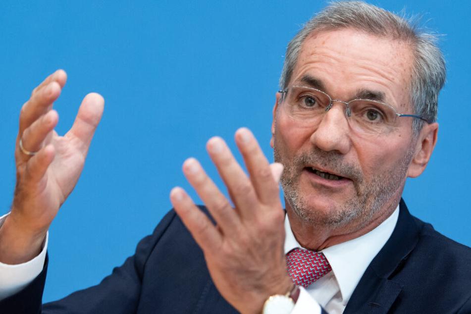 Matthias Platzeck würde sich über mehr Wirtschaftsbereiche im Osten freuen.