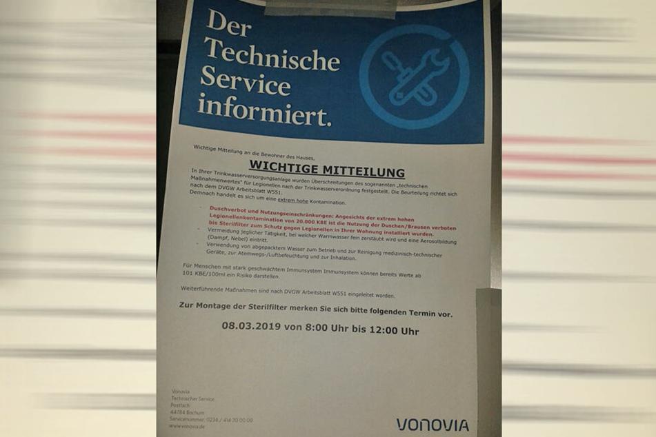 Via Hausaushang informierte Vonovia die Mieter über das amtlich verhängte Duschverbot.