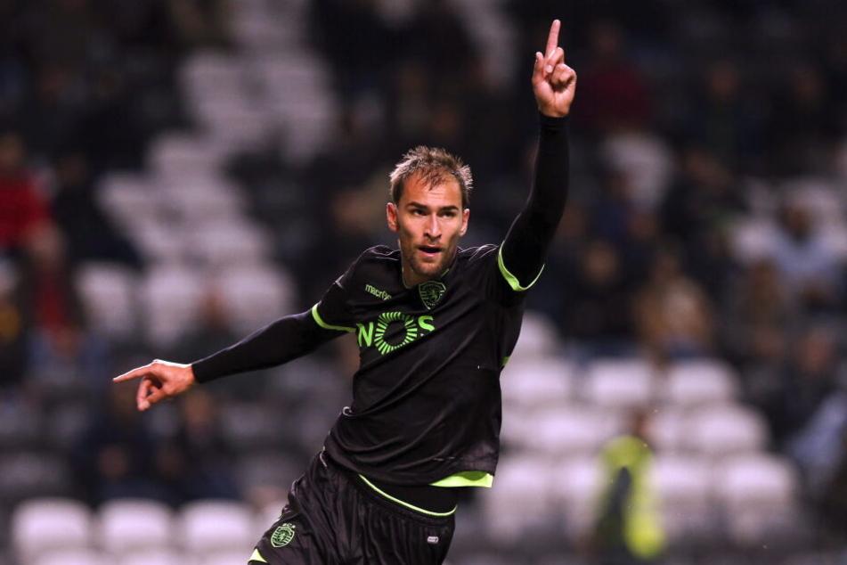 Der Niederländer Bas Dost wechselt offiziell von Sporting Lissabon zu Eintracht Frankfurt.
