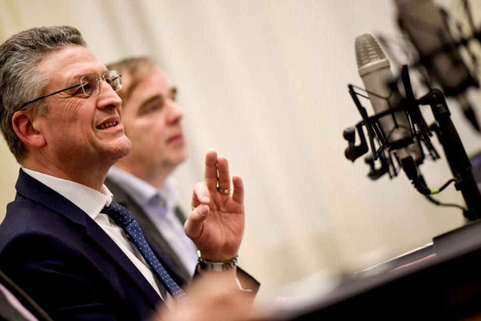 Lothar Wieler, Präsident des Robert Koch-Instituts informiert über die Krankheit.
