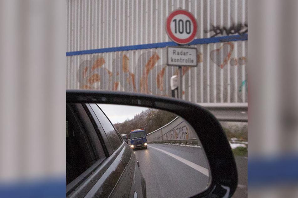 Am Bielefelder Berg gilt Tempo 100, zum Ärger vieler Autofahrer.