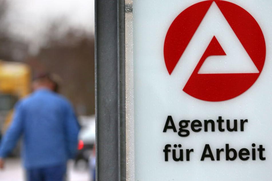 Im August müssen sich mehr Menschen bei der Agentur für Arbeit melden. (Symbolbild)