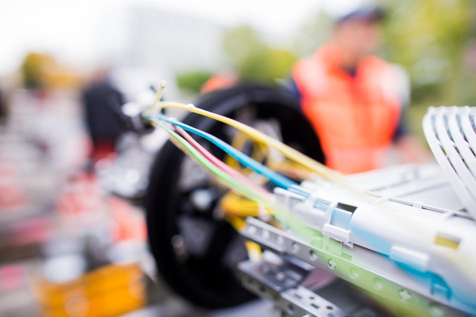 Viele Internet-Anbieter wollen in NRW ihr Glasfaser-Netz ausbauen. (Symbolbild)