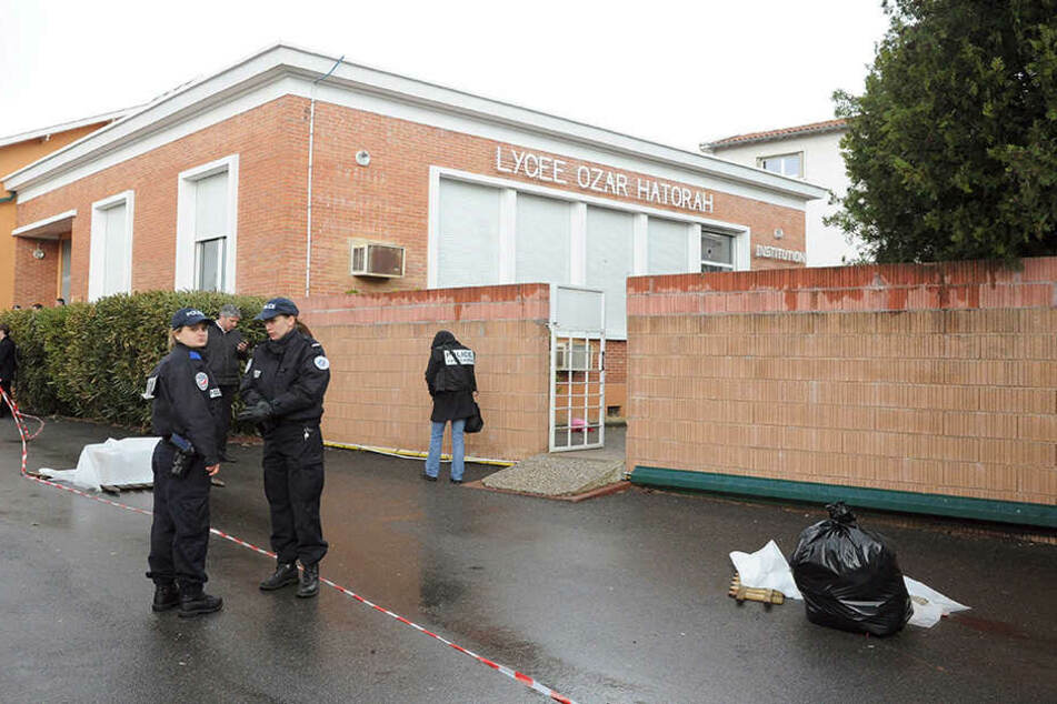In einem Gymnasium wurden offenbar mehrere Menschen verletzt. (Symbolbild)