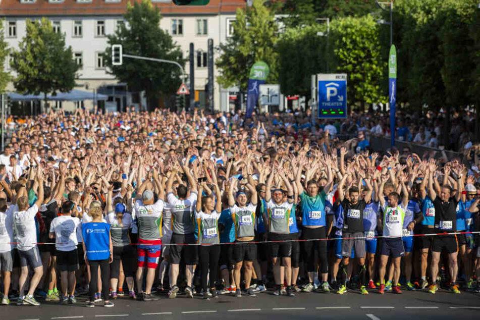 9000 Teilnehmer hatten sich am Start versammelt
