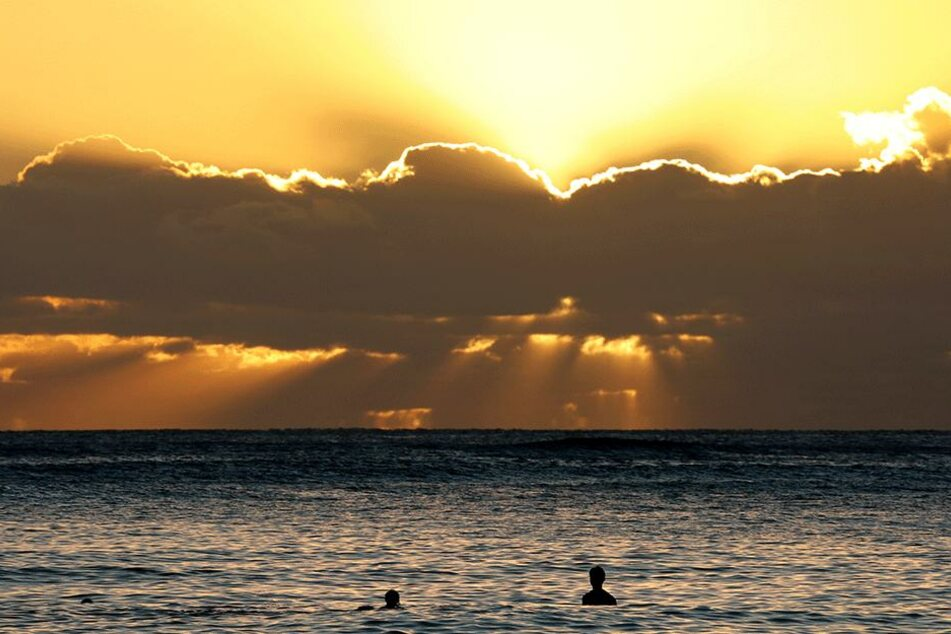 So wunderschön ist Hawaii. Wer dort jedoch über die Ampel gehen will, den erwartet unter Umständen eine saftige Geldstrafe.