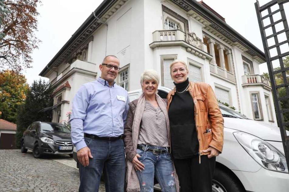 Hier soll künftig Bedürftigen geholfen werden: Vereins-Chef Ingolf Knajder (54), Sängerin Linda Feller (51) und Barbara Lässig (60).