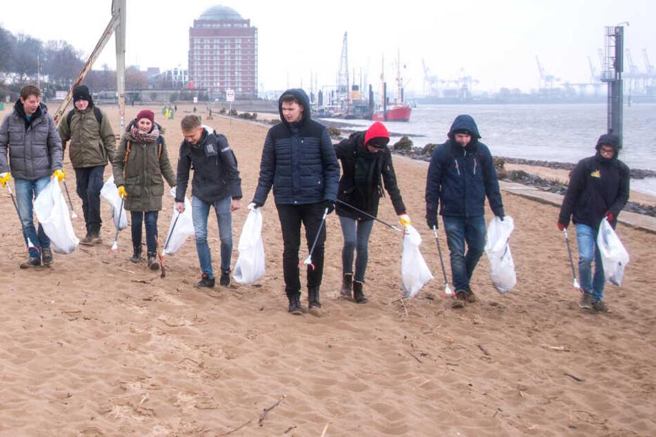Hier greifen Bürger selbst zur Müllzange und kriegen dafür Geschenke!