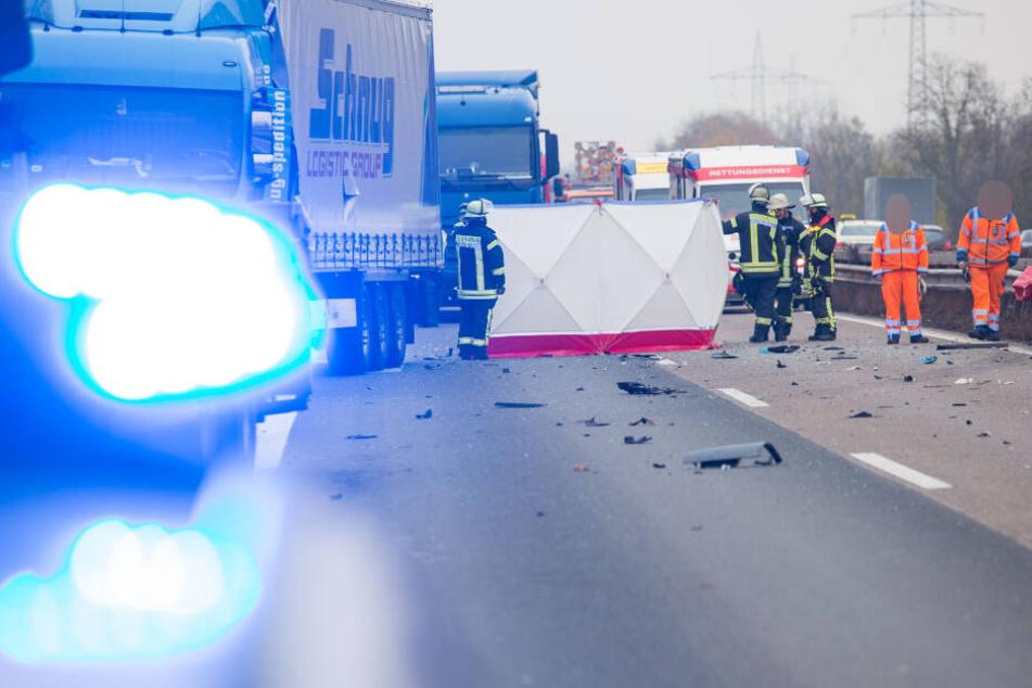 Der Autofahrer erlag noch am Unfallort seinen Verletzungen.