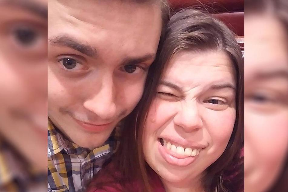 Chase (18) und Jaimee (39) sind ein glückliches Paar.