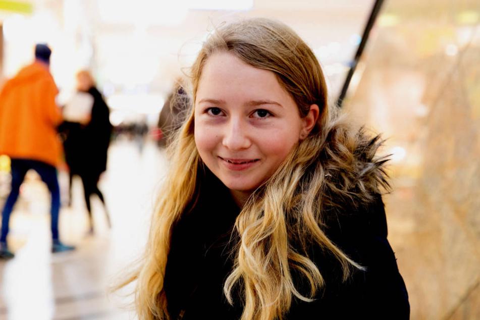Nina (16).