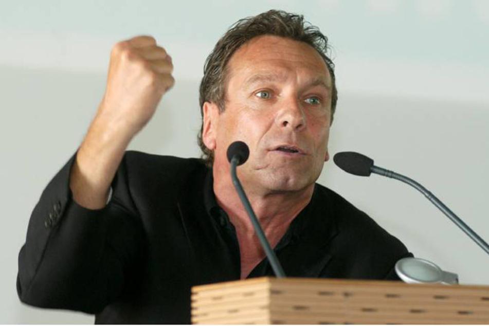 """Klaus Ernst (62, Die Linke) nennt diesen Unterschied """"Sprengstoff für die Gesellschaft""""."""