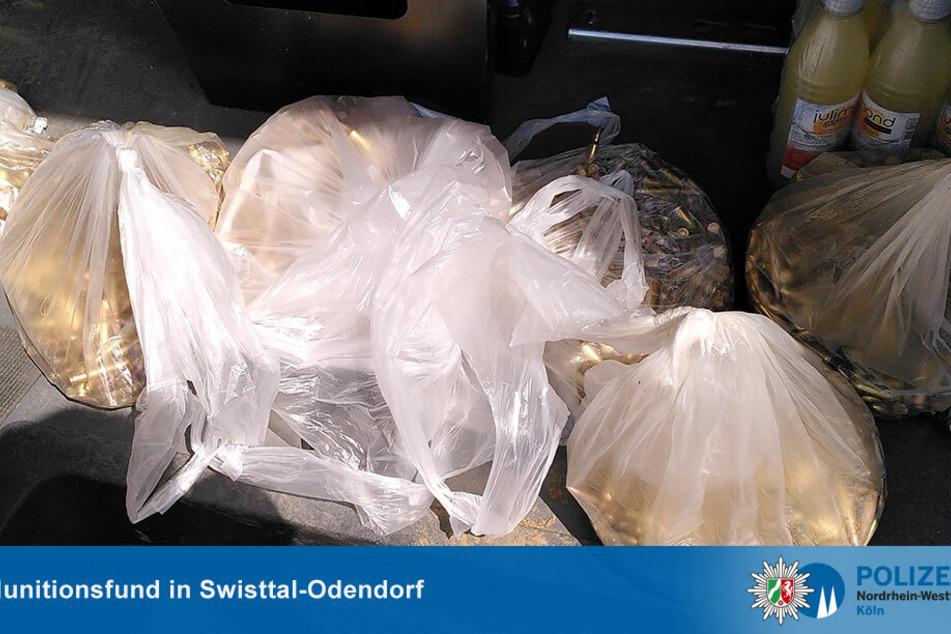 Die Munition wurde von einem Anwohner in Swisttal an die Polizei übergeben.