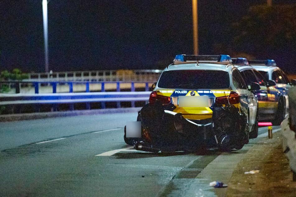 Motorroller kommt von Straße ab und stürzt: Fahrer (37) tot