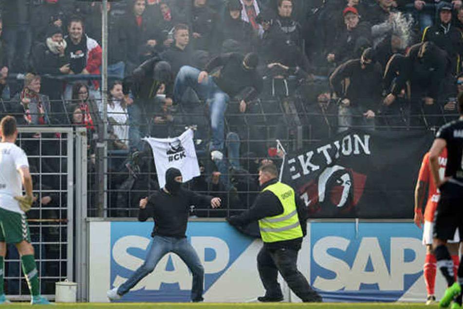 Im Karl-Liebknecht-Stadion kam es damals beim Spiel gegen den FC Energie Cottbus zu Ausschreitungen.