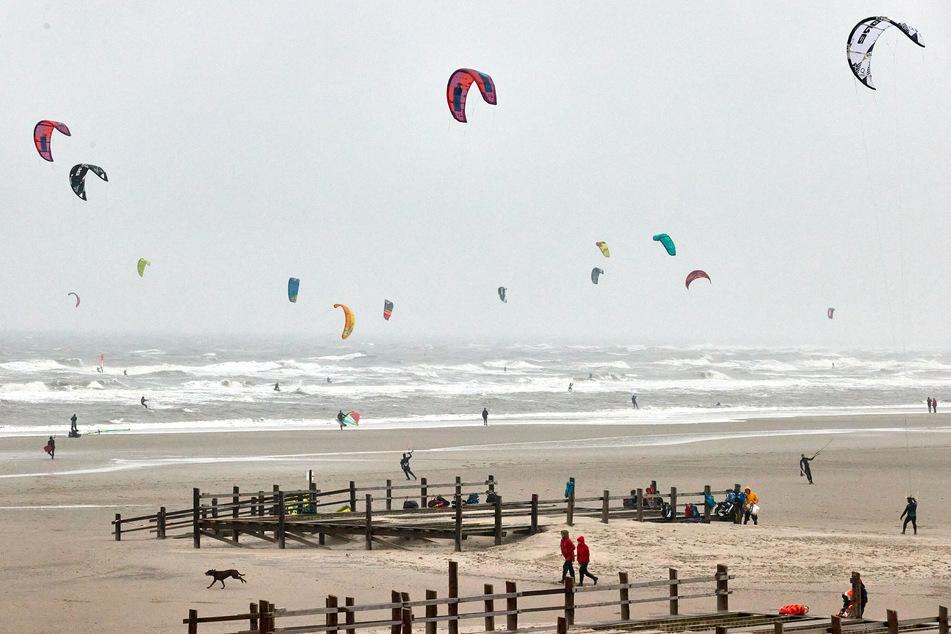 Kitesurfen im Wattenmeer: Gibt es bald neue Regeln für Wassersportler?