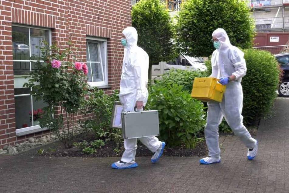 Die Spurensicherung untersuchte nach dem Mord den Tatort.