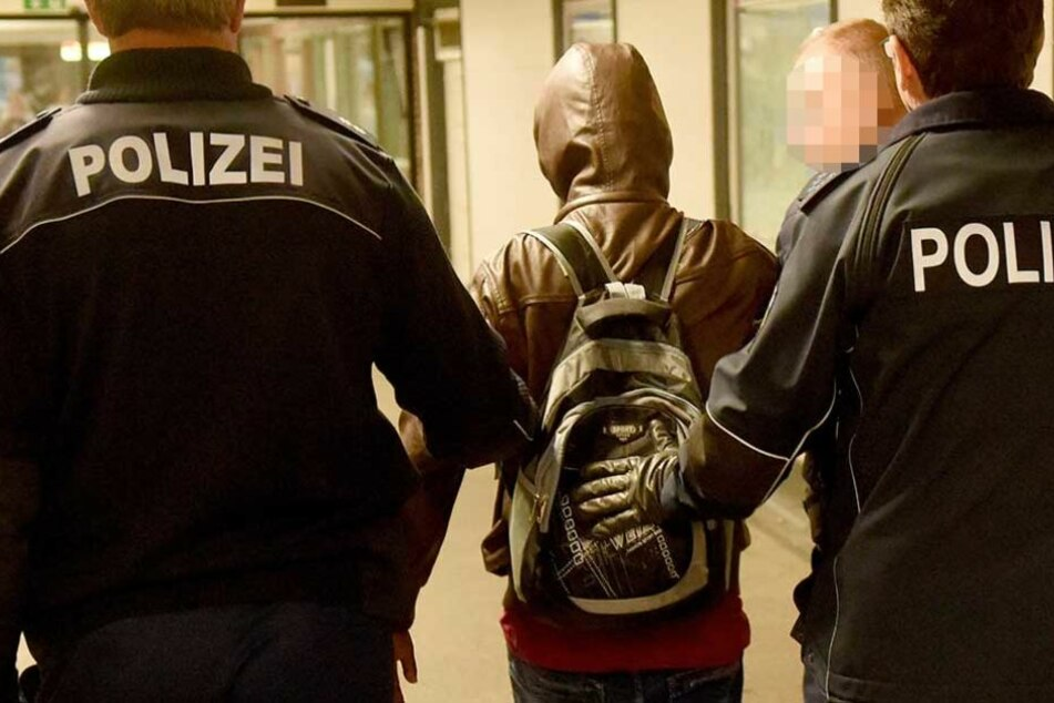 Ein junger Mann wurde nach der Tat festgenommen (Symbolbild).