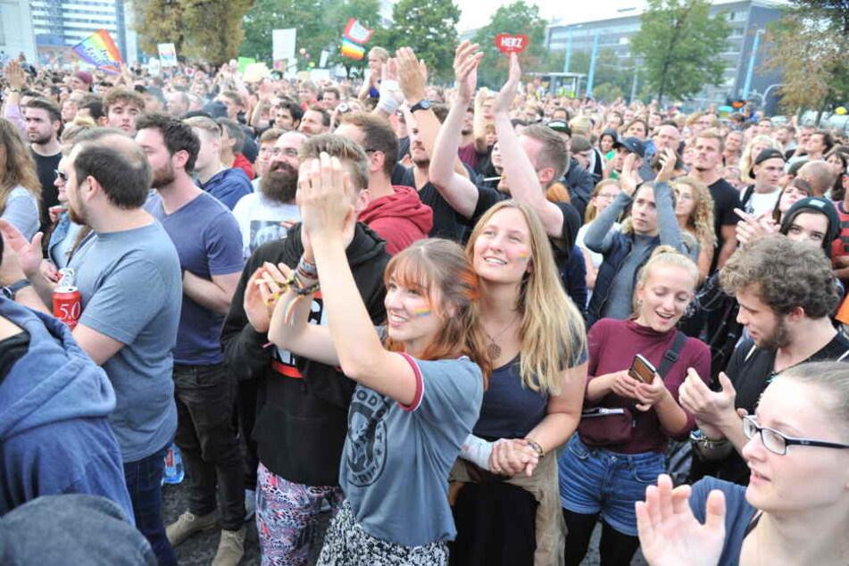 Ausgelassene Stimmung beim Konzert gegen Rechts: #wirsindmehr.