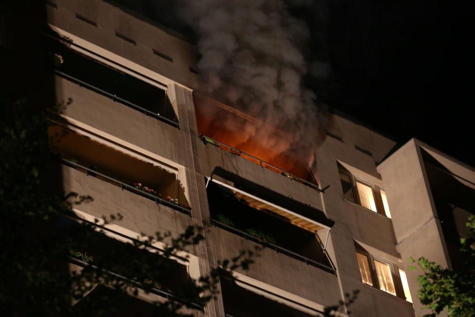 Am Freitagabend brannte es in der Gerokstraße. Zwei Menschen wurden verletzt.