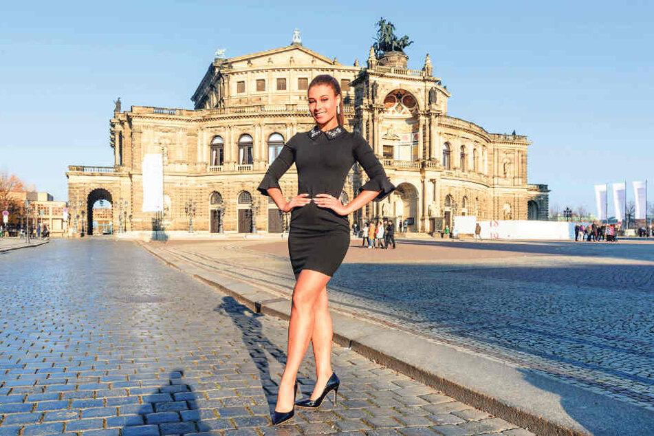 """Model und mehrfache """"Miss"""": Mona Schafnitzl (23) freut sich auf ihren ersten Tanz in der Semperoper."""