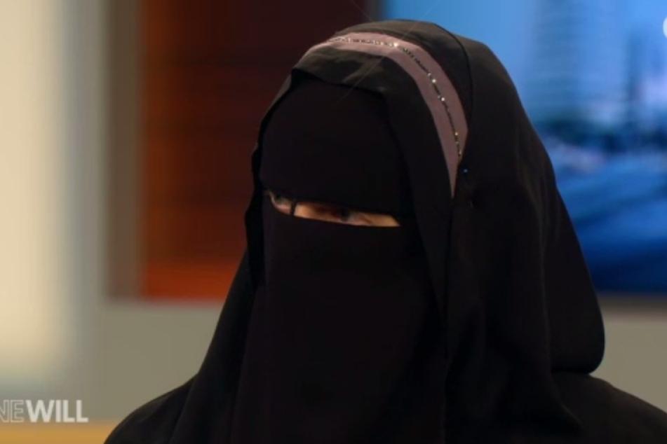 Der Auftritt der umstrittenen Schweizer Muslima Nora Illi sorgt für Wirbel.