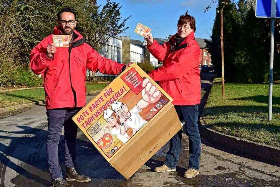 Gegen Billiglöhne: Die Gewerkschafter Thomas Lißner (37) und Ute Leibner (60)  bei Bäcker Möbius.