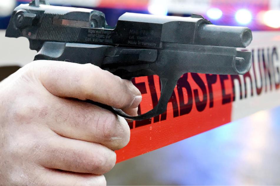 Die Polizei sperrte eine Straße ab und fahndete nach dem Schützen (Symbolbild).