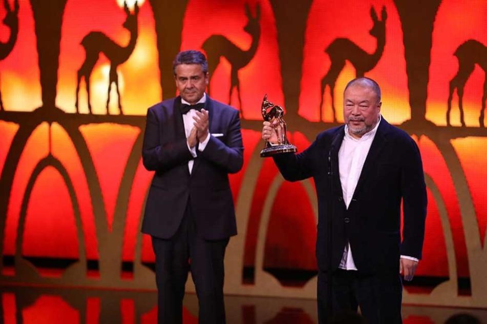 Bundesaußenminister Sigmar Gabriel (SPD) würdigte den chinesischen Künstler Ai Weiwei, der in Berlin im Exil lebt.