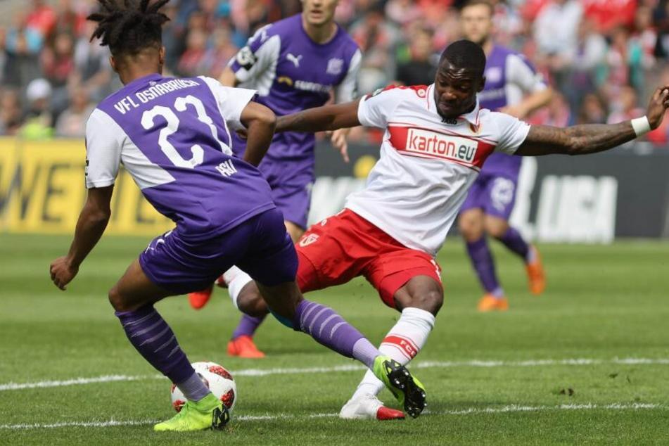 Einen Drei-Jahres-Vertrag unterschrieb Streli Mamba (r.) beim SC Paderborn.