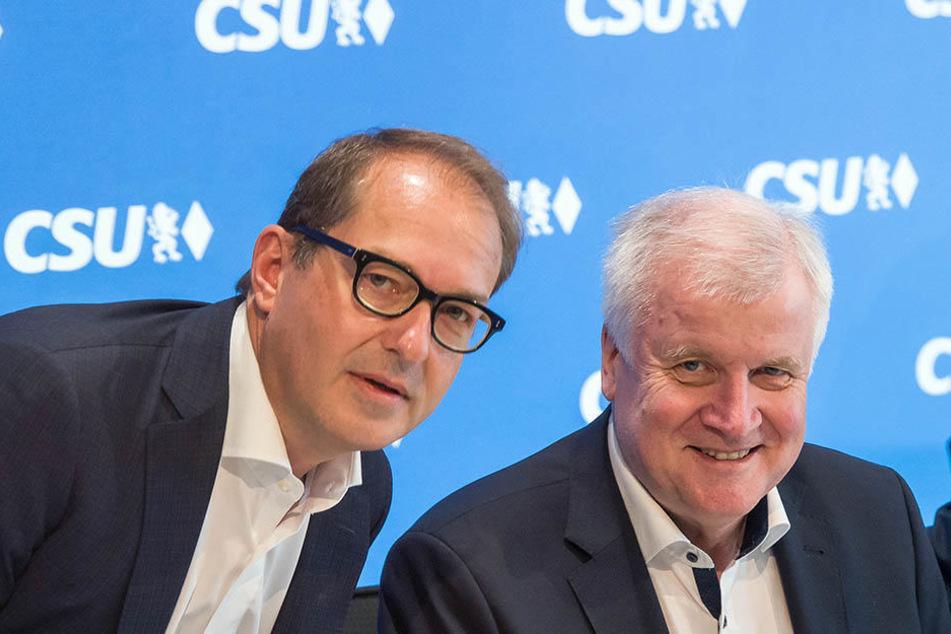 CSU-Landesgruppenchef Alexander Dobrindt (48) will sich mit dem Rücktritt von Horst Seehofer (68) nicht abfinden.