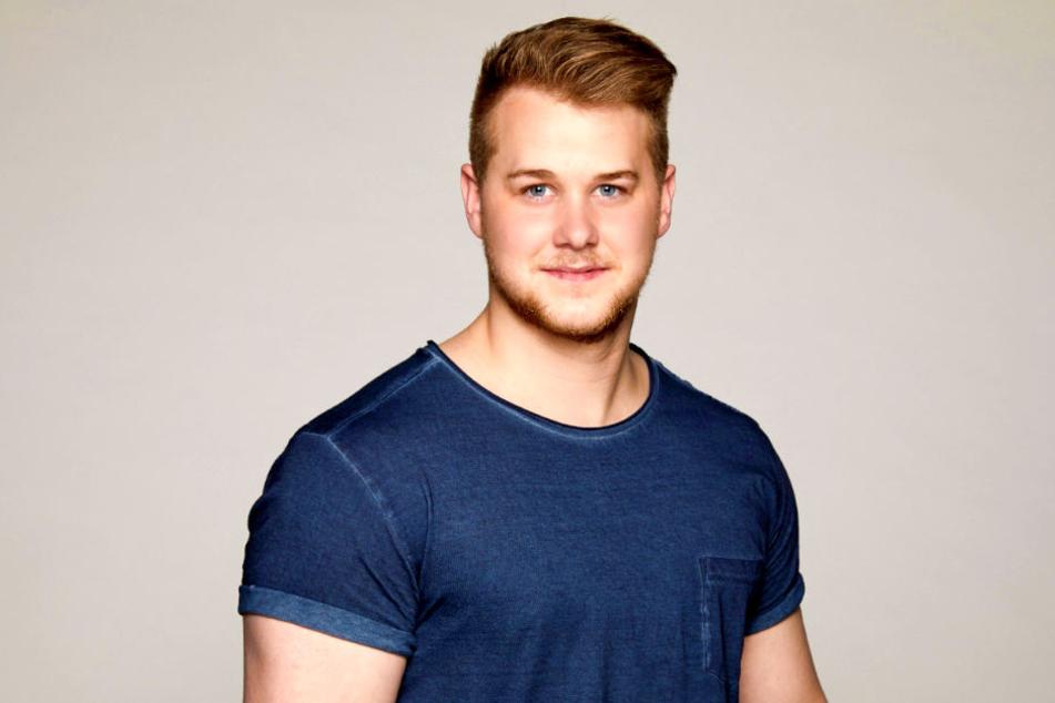 Bislang galt GZSZ-Schnuckel Felix van Deventer (22) als Single - damit scheint nun Schluss zu sein.