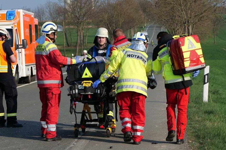 Zahlreiche Rettungskräfte kümmerten sich um die Verletzten.