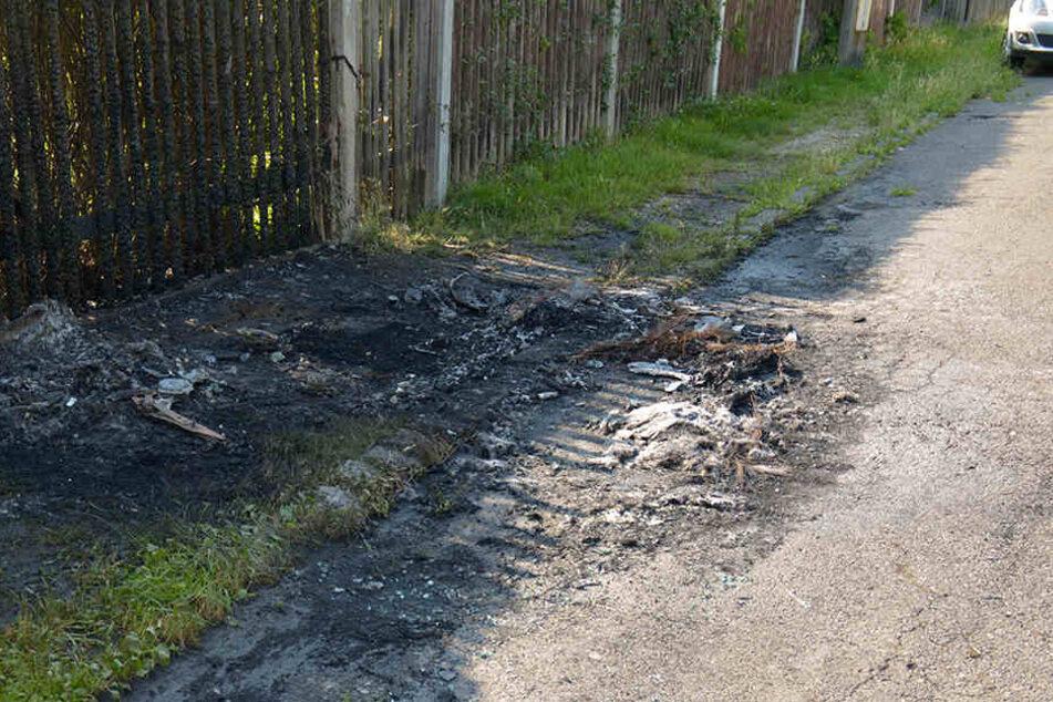 In Mockau wurde ein Chevrolet in Brand gesteckt.