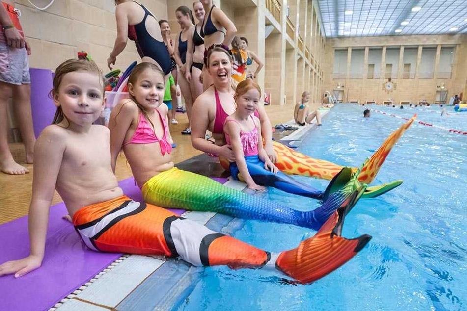 Mit knallbunten Flossen können Kinder jetzt schwimmen wie echte  Meerjungfrauen.