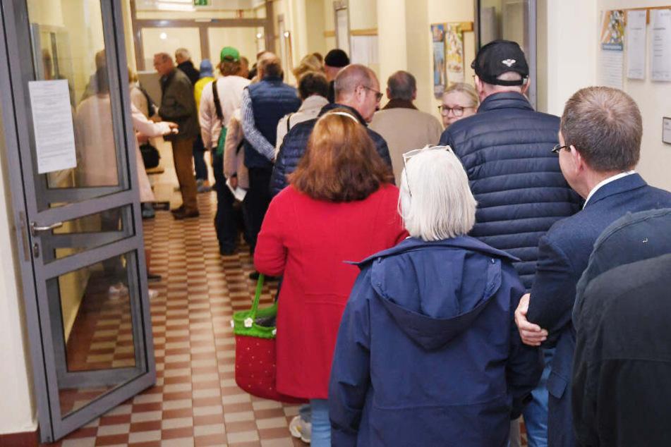Wähler standen in Bremen teilweise sogar Schlange, um ihre Stimmen abzugeben.