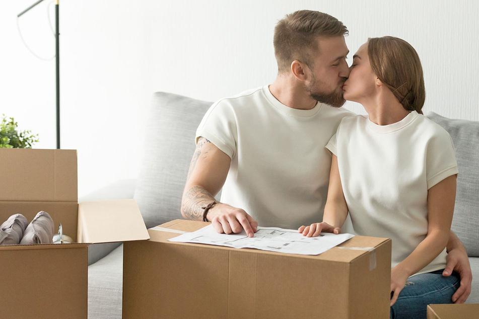 Dieses Paar hat sich gerade eine Wohnung ertauscht...