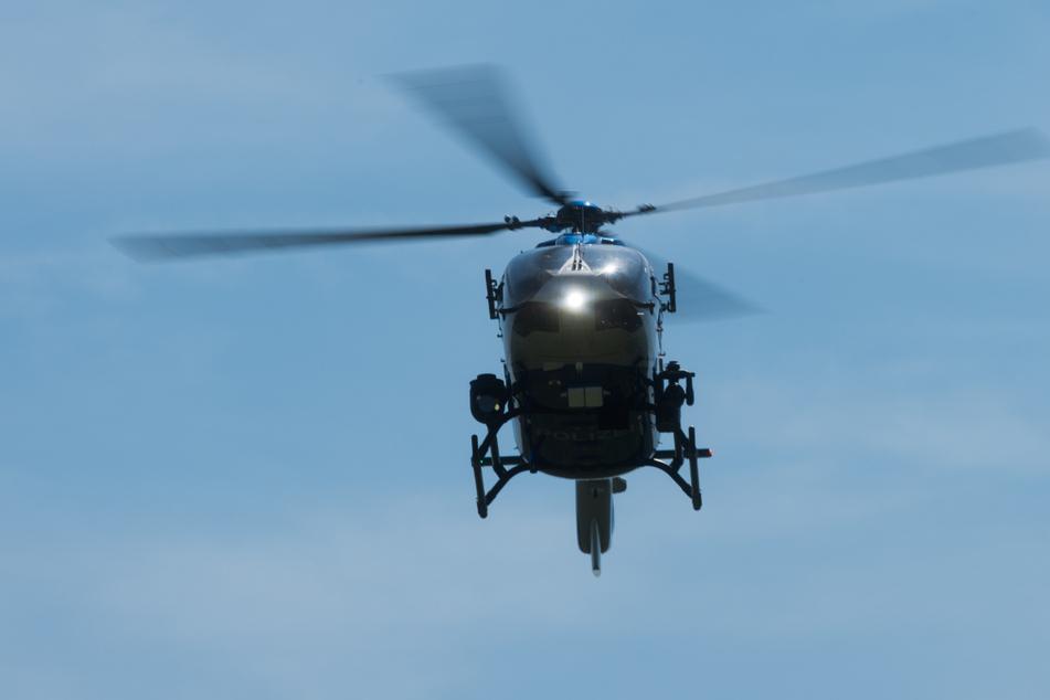 Chemnitz: Chemnitz: Deswegen flog ein Hubschrauber über der A72