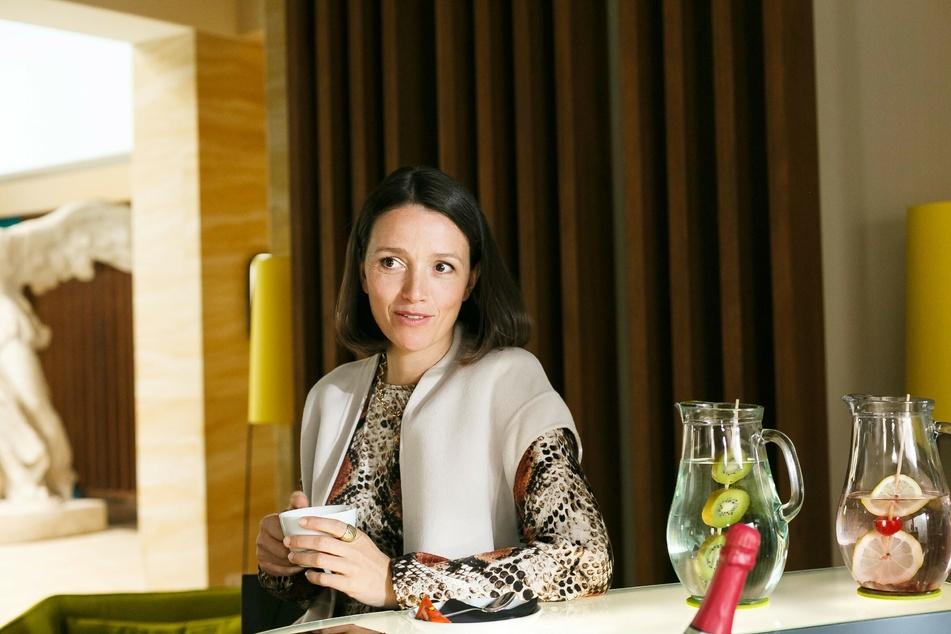 """Kaja Schmidt-Tychsen (40), die bei """"Alles was zählt"""" Jenny Steinkamp spielt, ist im realen Leben alleinerziehende Mutter."""