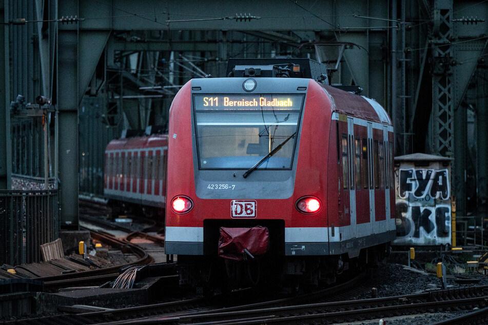 Nach katastrophalen Unwettern in NRW kommt es zu erheblichen Störungen im Regionalverkehr der Bahn. (Symbolbild)