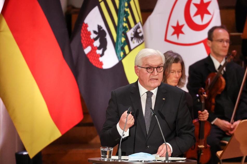 Bundespräsident Frank-Walter Steinmeier (64) sprach in der zentralen Gedenkveranstaltung in der Ulrichskirche.
