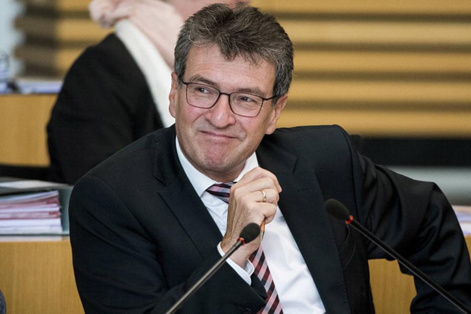 Migrationsminister Dieter Lauinger (Grüne) informierte über aktuelle Asylanträge.